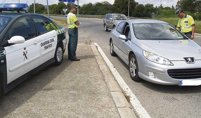 La Guardia Civil incrementa la vigilancia nocturna en carreteras, farmacias y supermercados para evitar robos