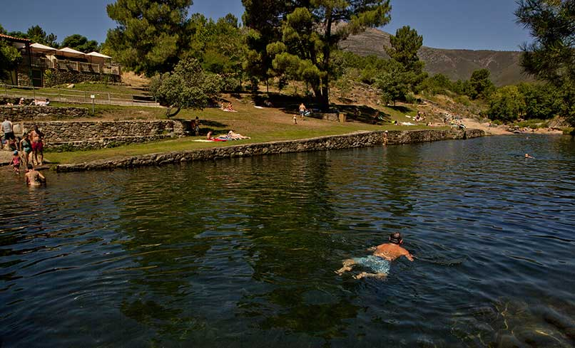 Willy witness m s sensacionales piscinas naturales en for Piscinas extremadura
