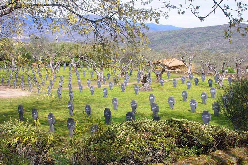 Cuacos_de_Yuste_-_Cementerio_Militar_Aleman_03