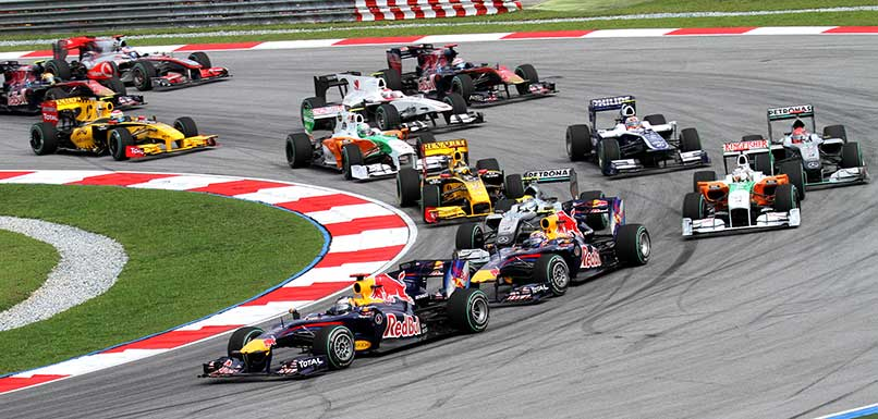 2010_Malaysian_GP_opening_lap