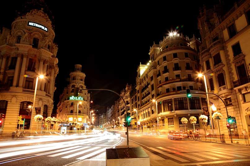 102_gran-via-de-madrid-de-noche