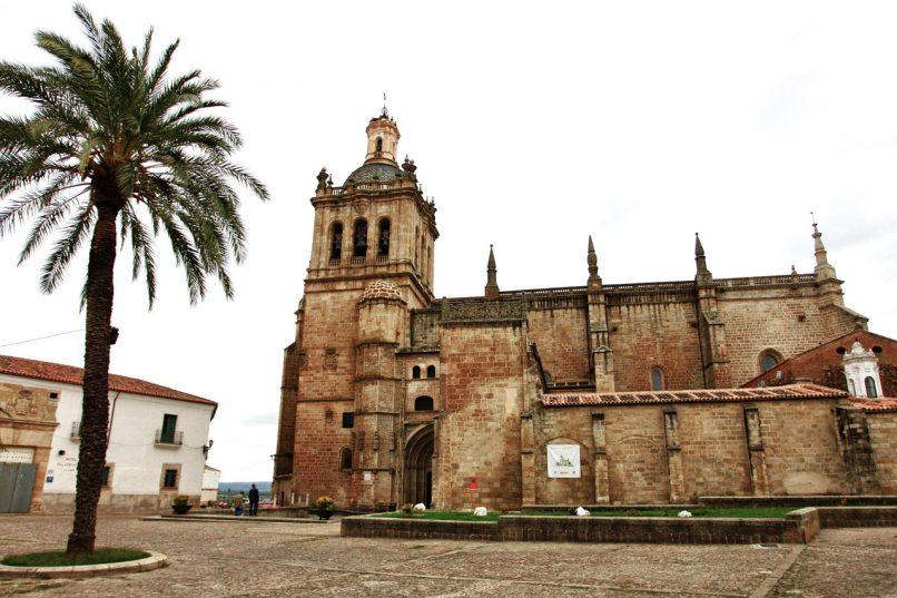 Visitas a la Virgen de Argeme y vinilos para celebrar el Día del Turismo en Coria