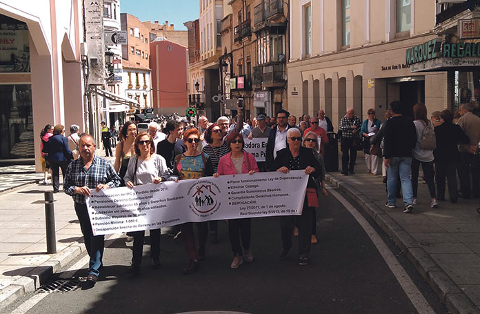 Pensionistas reclaman sus derechos en Cáceres