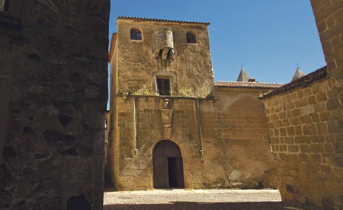 Duelo. Casa del sol. Vicente Rodríguez Lázaro.
