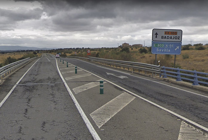 Autovía entre Cáceres y Badajoz