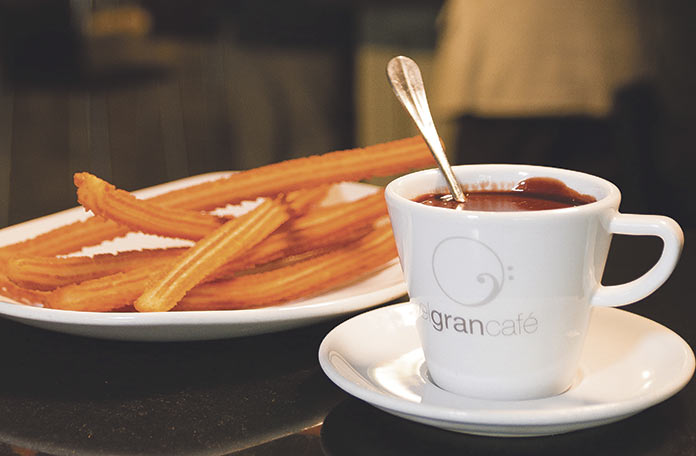 Churros con chocolate en el Gran Café
