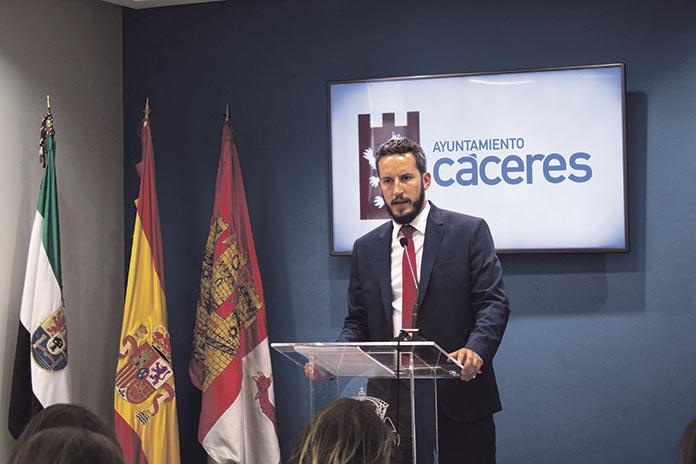 Alzapiernas incumple la ley de accesibilidad. Andrés Licerán