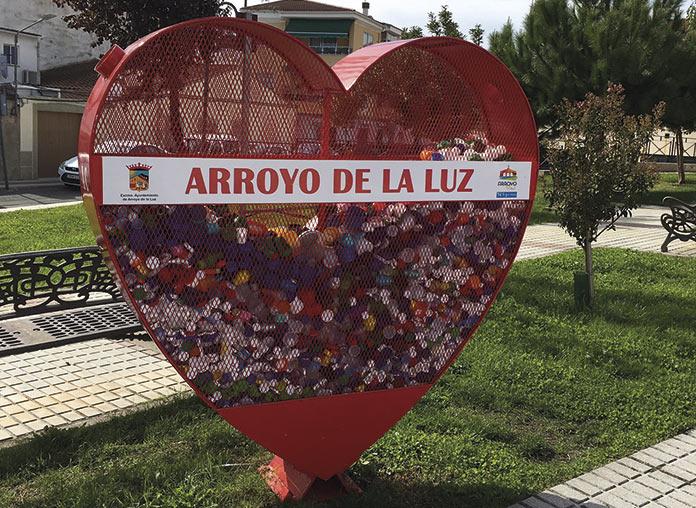 Un mural por la infancia en Arroyo de la Luz