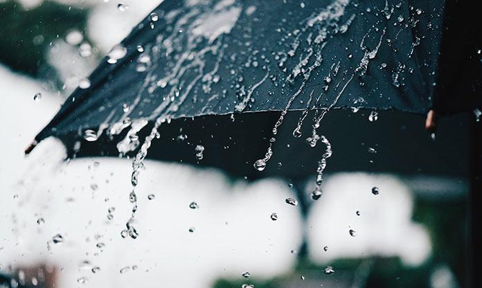 Tiene que llover a cántaros. Carmen Heras.
