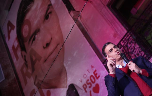 Amarga victoria del PSOE. Pedro Sánchez en Ferraz.