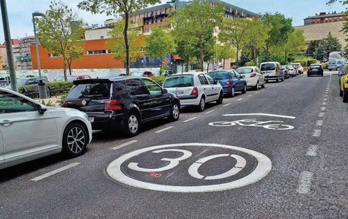 Sanciones para los coches que no respeten la velocidad en los carriles mixtos