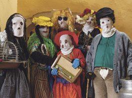 Jurramachos, vino y jamón en el carnaval de Montánchez
