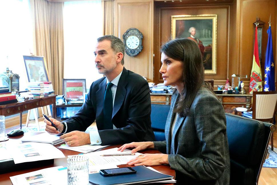 Los Reyes hablan con los gerentes de las Áreas de Salud Badajoz y Cáceres para conocer la situación en Extremadura