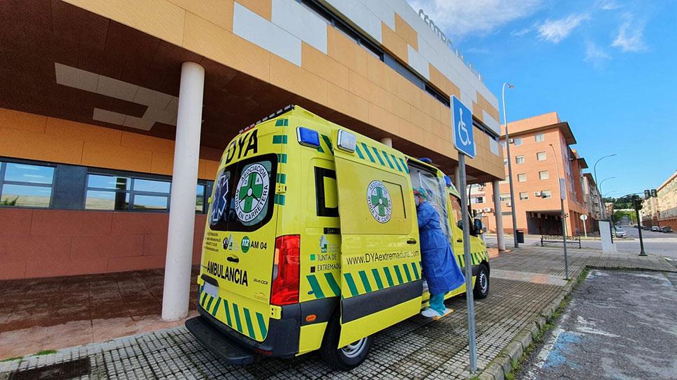 DYA Extremadura traslada a enfermos de COVID-19 a realizarse las pruebas rápidas