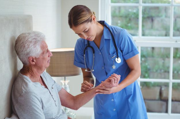 Satse Extremadura pide a la Junta mantener la de enfermería y fisoterapía