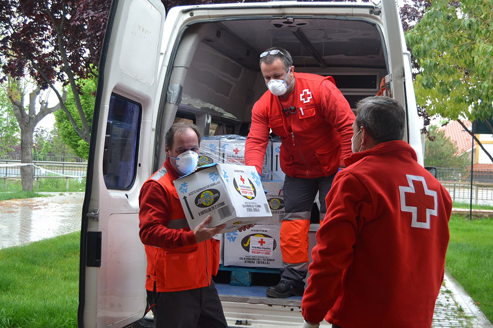 Cruz Roja reparte kits de higiene para mil familias en Extremadura
