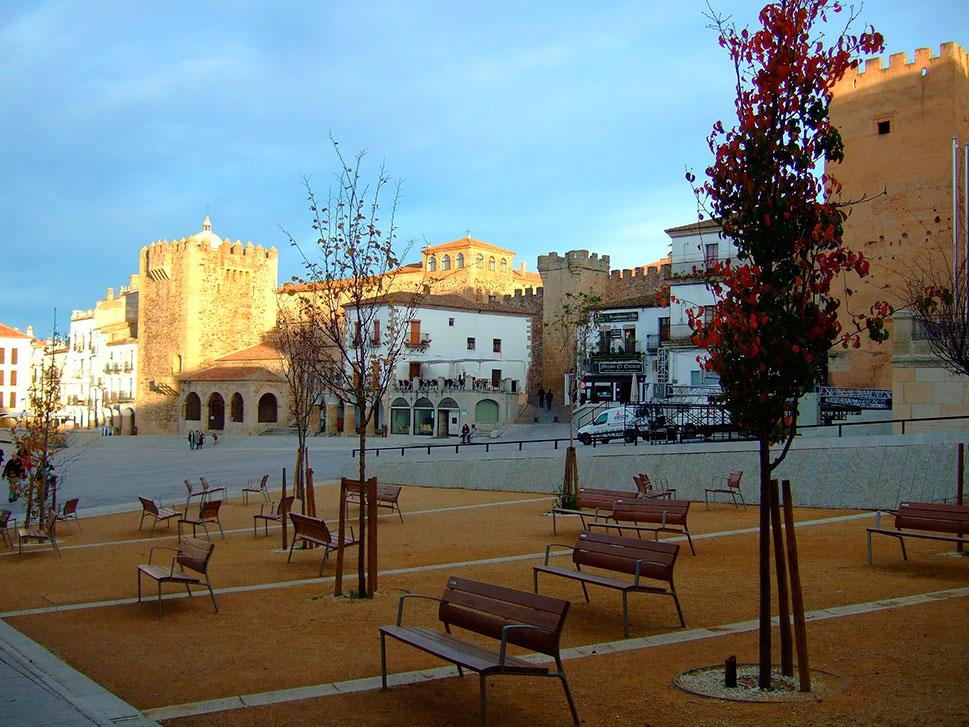 El PP de Cáceres pide la devolución de los 600.000 euros del proyecto Red.es para destinarlo al sector turístico