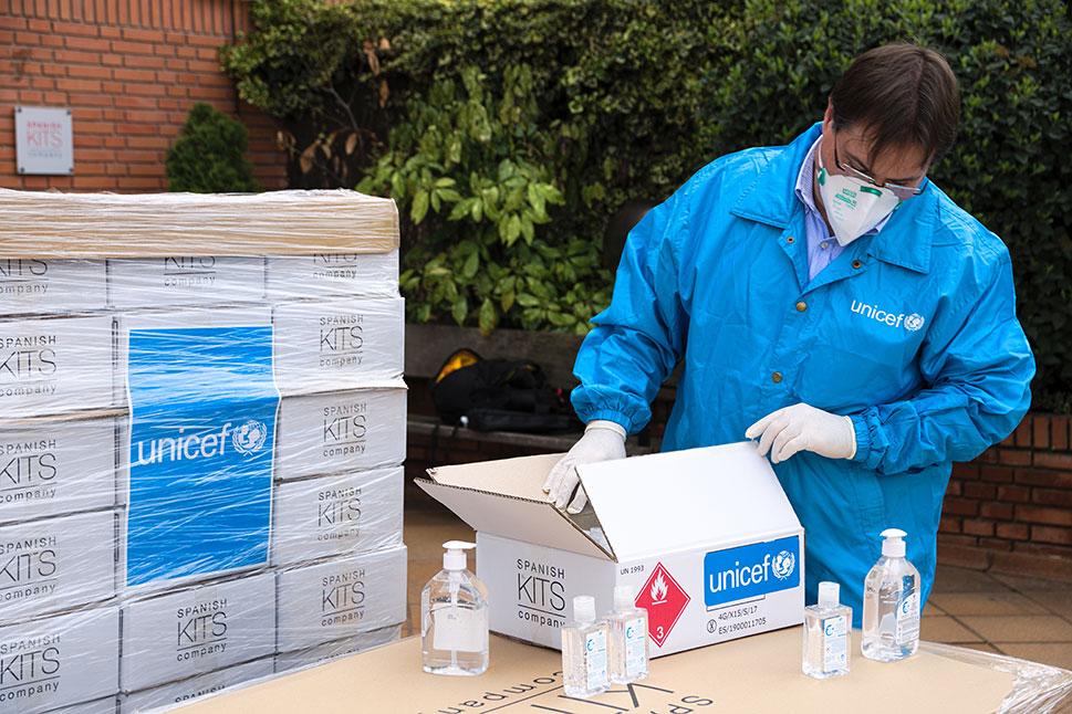 UNICEF España entrega de suministros sanitarios para la lucha contra COVID-19