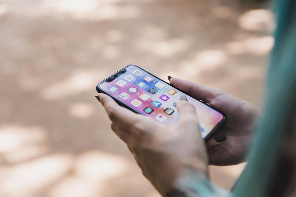 Google y Apple no instalan apps para contra el COVID-19 en móviles en secreto