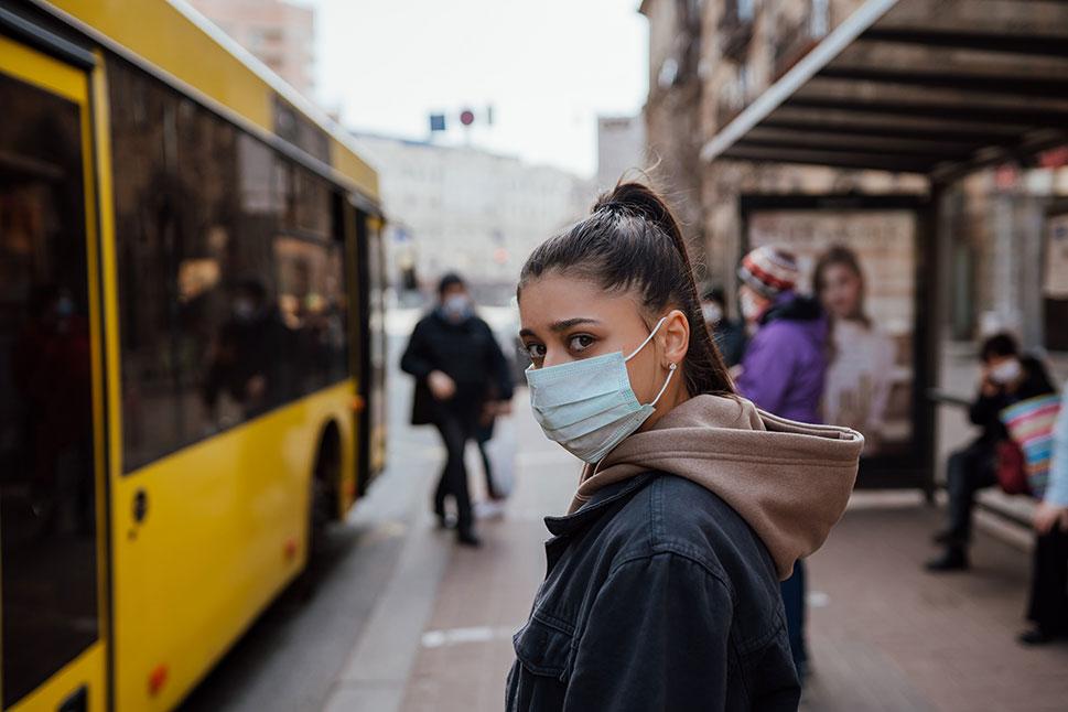 Las normas de la fase 0: mascarillas en el transporte público y comida para llevar