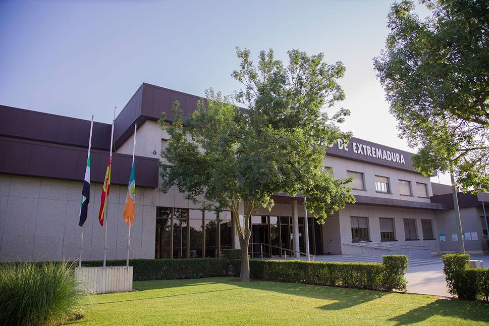 La Universidad de Extremadura se une al luto oficial por las víctimas del COVID-19