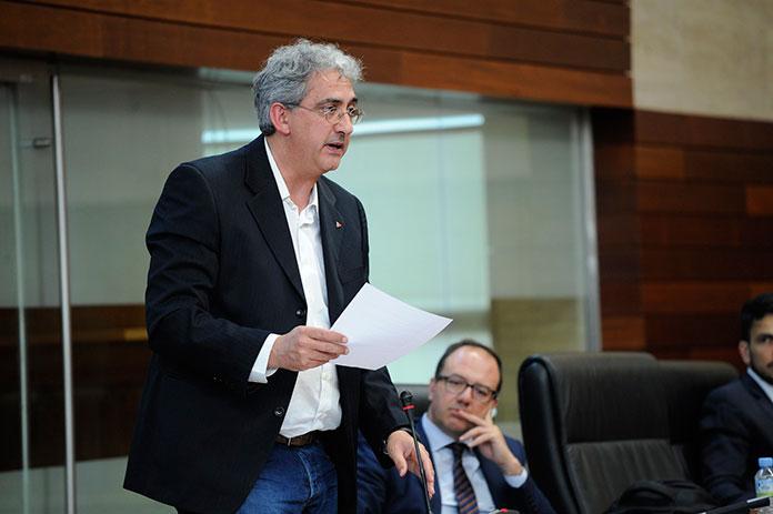 El PSOE derriba una propuesta contra el recorte de plantillas en la educación pública