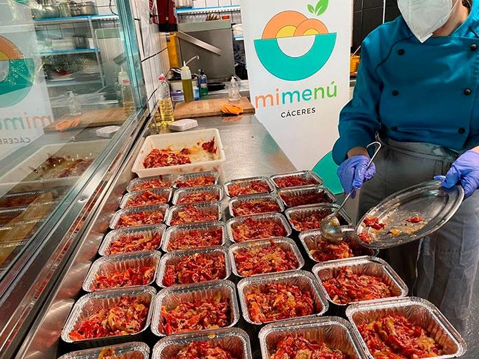 MiMenú culmina su labor ayudando a 350 familias en Cáceres