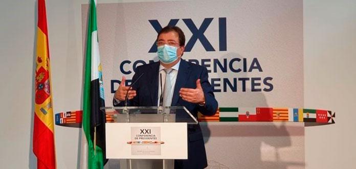 Guillermo Fernández Vara plantea un impuesto para la sanidad en la Conferencia de Presidentes