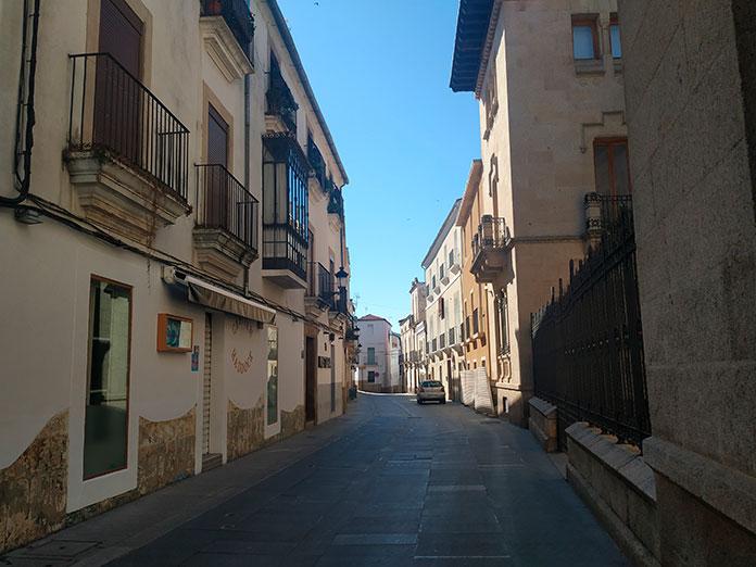 El Ayuntamiento reitera que en algunas zonas no puede haber terrazas