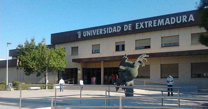 Comienzan las pruebas de acceso a la UEx para mayores de 25 años