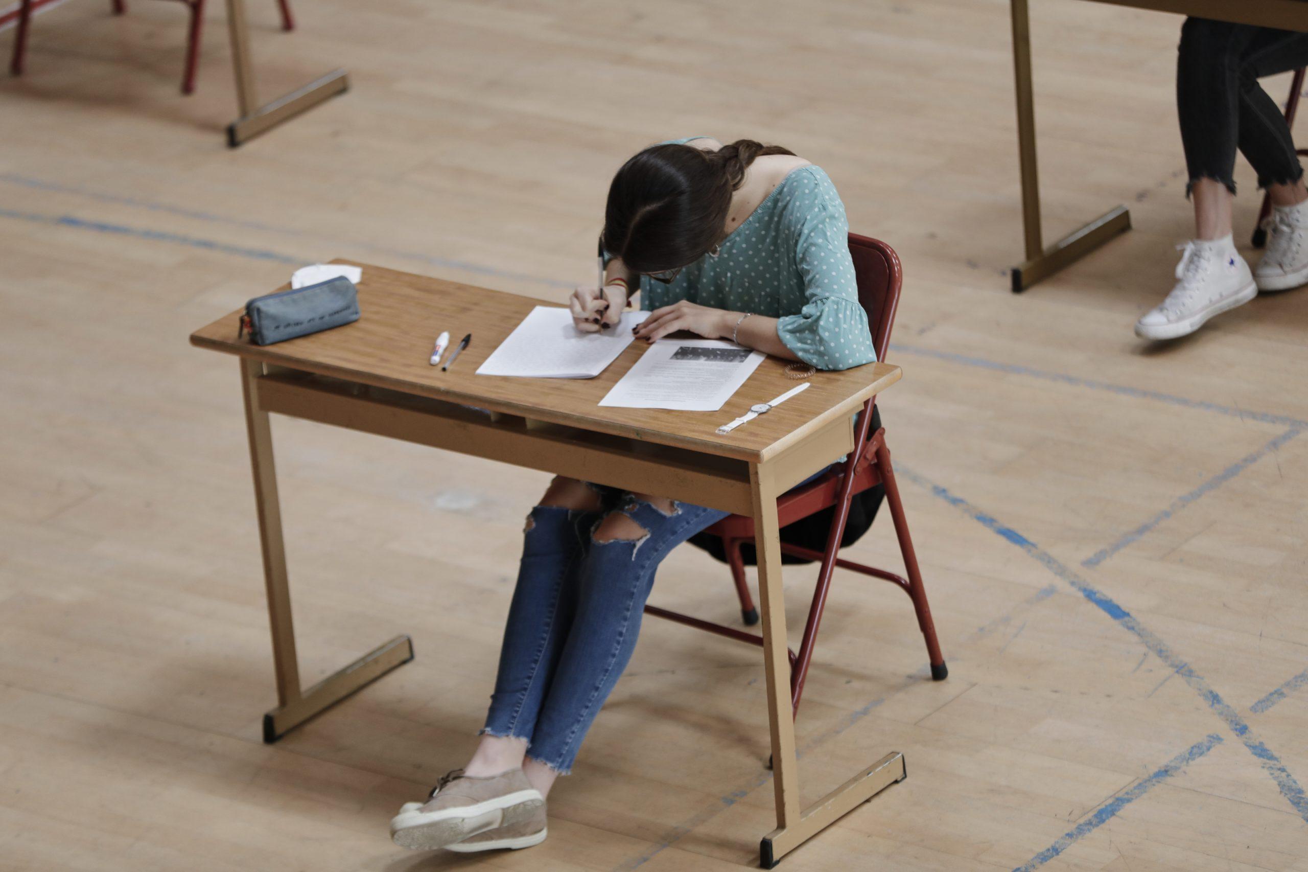Las clases de ESO, Bachillerato y FP serán online hasta el lunes 25 de enero