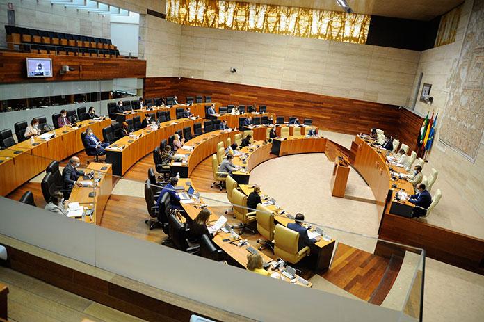 La Asamblea de Extremadura se compromete a promover una ley contra la trata de personas