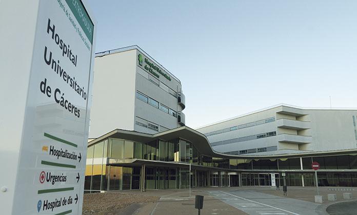 El SES contrata un cátering y 16 pinches para el Hospital Universitario de Cáceres