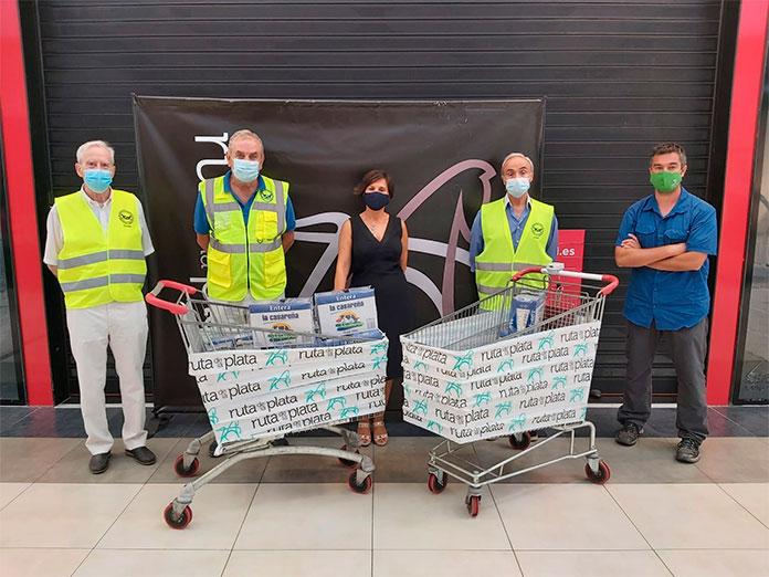 El Ruta de la Plata entrega 230 litros de leche al Banco de Alimentos de Cáceres