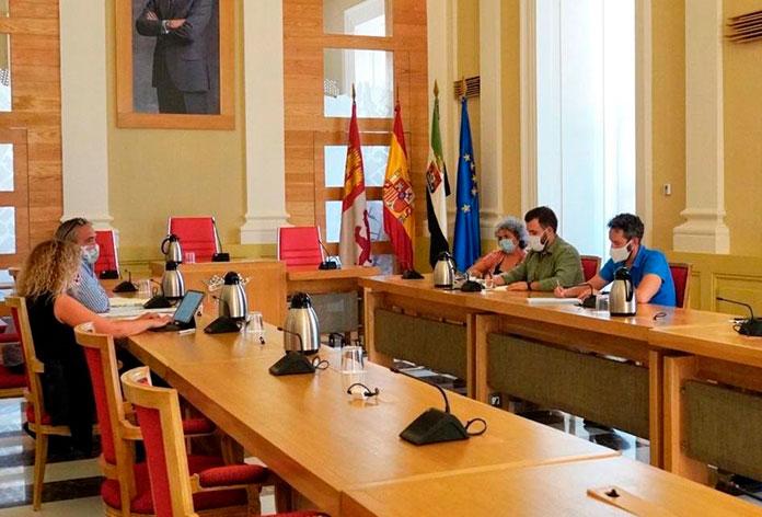 Cuatro autobuses más para la línea Campus en Cáceres
