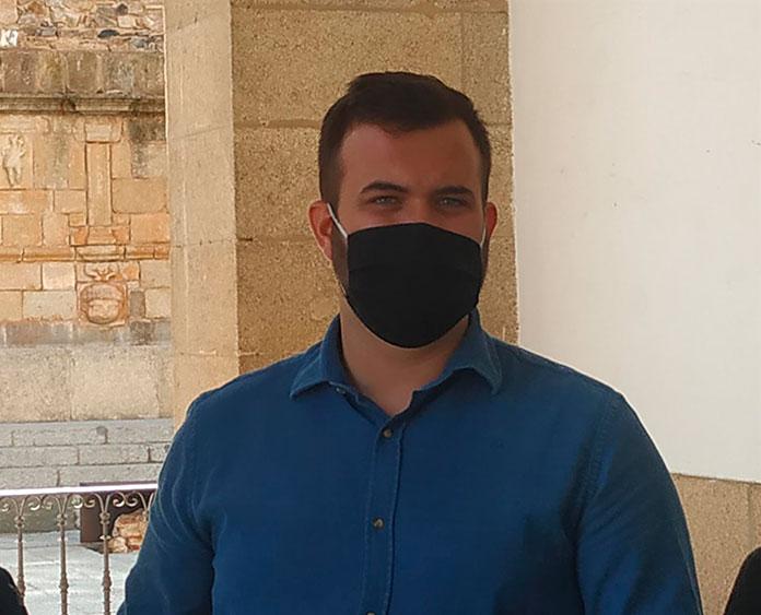 Luis Salaya, alcalde de Cáceres, advierte del peligro de contagio en las fiestas en pisos de estudiantes