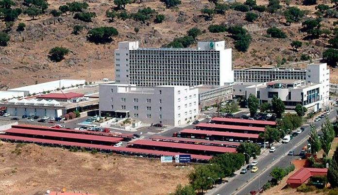 Los traumatólogos del Hospital Virgen del Puerto de Plasencia aislados por Covid