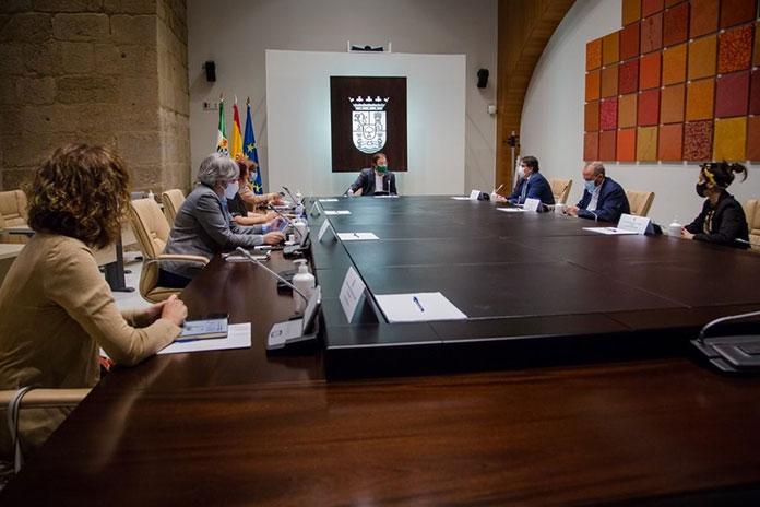 Extremadura limita la circulación de personas desde las 00:00 hasta las 6:00 horas