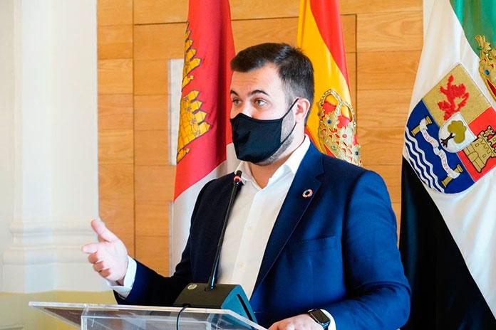 El alcalde de Cáceres pide responsabilidad para evitar un