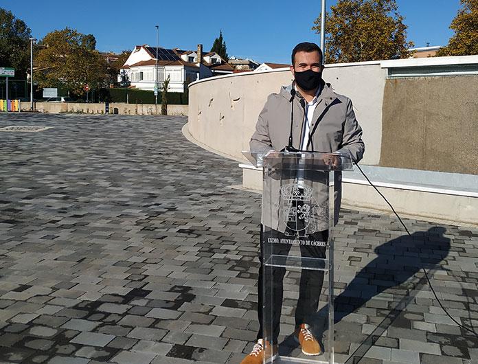 El alcalde de Cáceres destaca el cumplimiento de las medidas del toque de queda