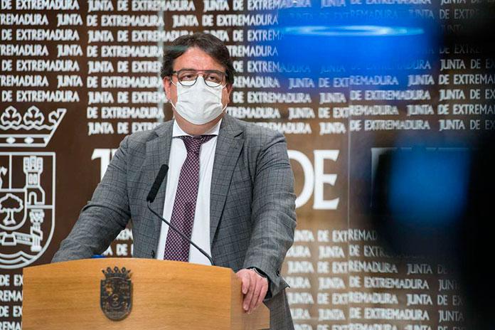 El Hospital de Mérida abre una segunda UCI y Llerena reduce las operaciones