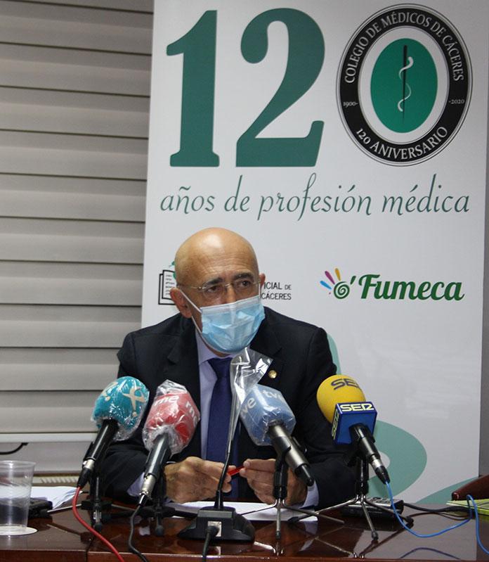 Carlos Arjona es reelegido como presidente del Colegio de Médicos de Cáceres