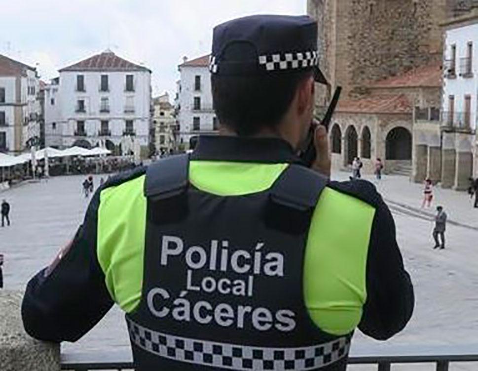 La Policía Local de Cáceres pone 60 denuncias durante el fin de semana