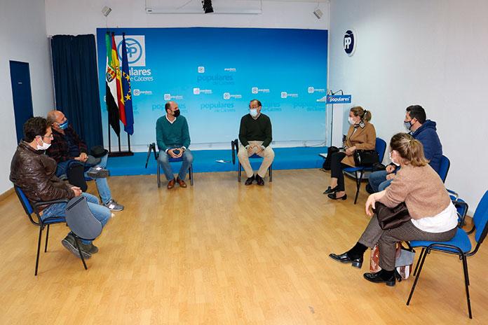 El PP de Cáceres se reúne con el sector de la hostelería