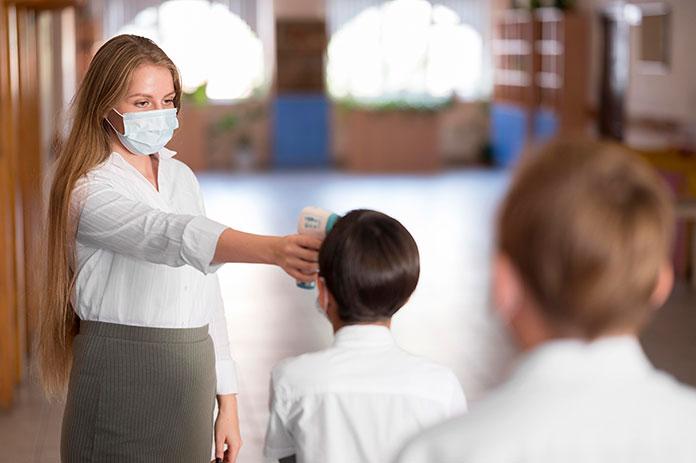CCOO Extremadura pide que la vacunación sea prioritaria para los trabajadores de la enseñanza