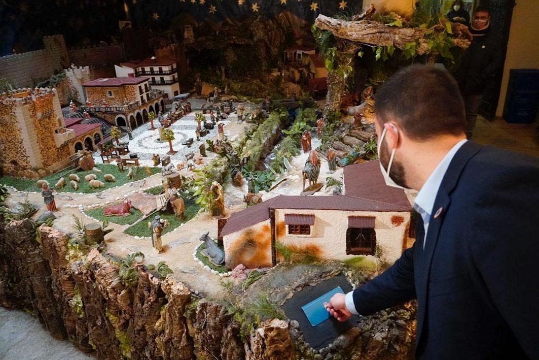 El Belén Municipal, situado en el Palacio de la Isla, ya puede visitarse
