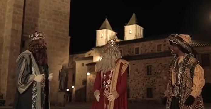 Todo listo para recibir a los Reyes Magos en globo en Cáceres