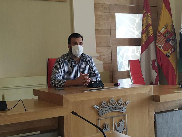 Luis Salaya aplaude que la Junta respete el PGM con respecto al permiso de investigación de la mina