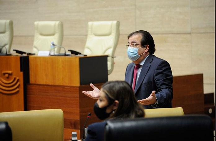 Vara indica que su posición ante la mina de litio de Cáceres es la legalidad