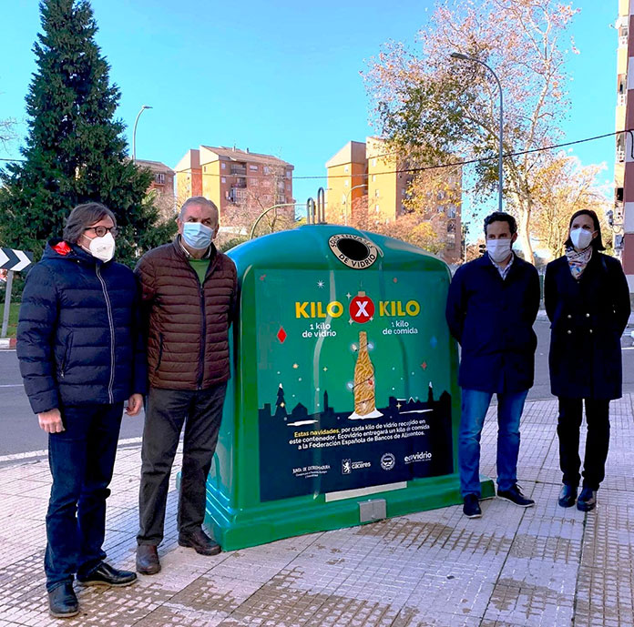 Cáceres presenta la campaña 1 Kg de vidrio por 1 Kg de alimentos